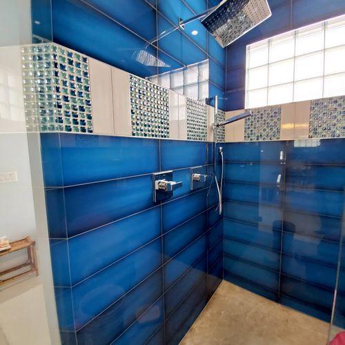 Master bathroom 12ft (Tile 6x24)