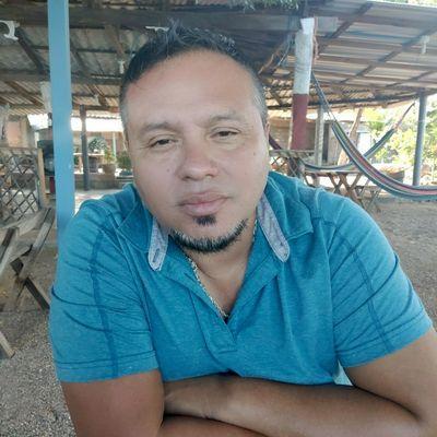 Avatar for Antonio's lawn care service