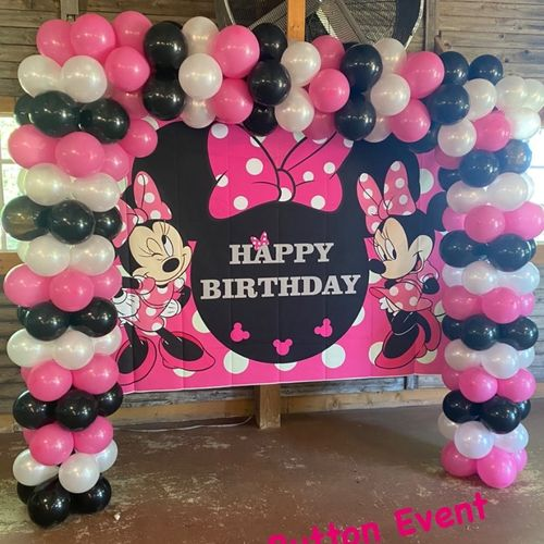 Minnie Mouse Backdrop and Balloon Arch