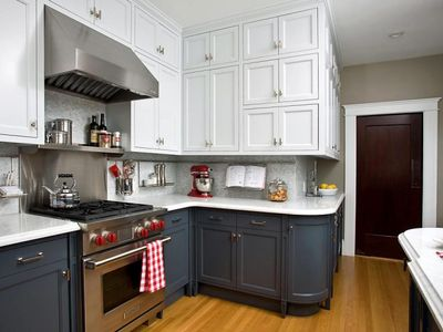 Avatar for SERVICE PAINTING & PAINTING KITCHEN CABINETS
