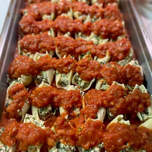 Vegan stuffed shells, pomodoro sauce