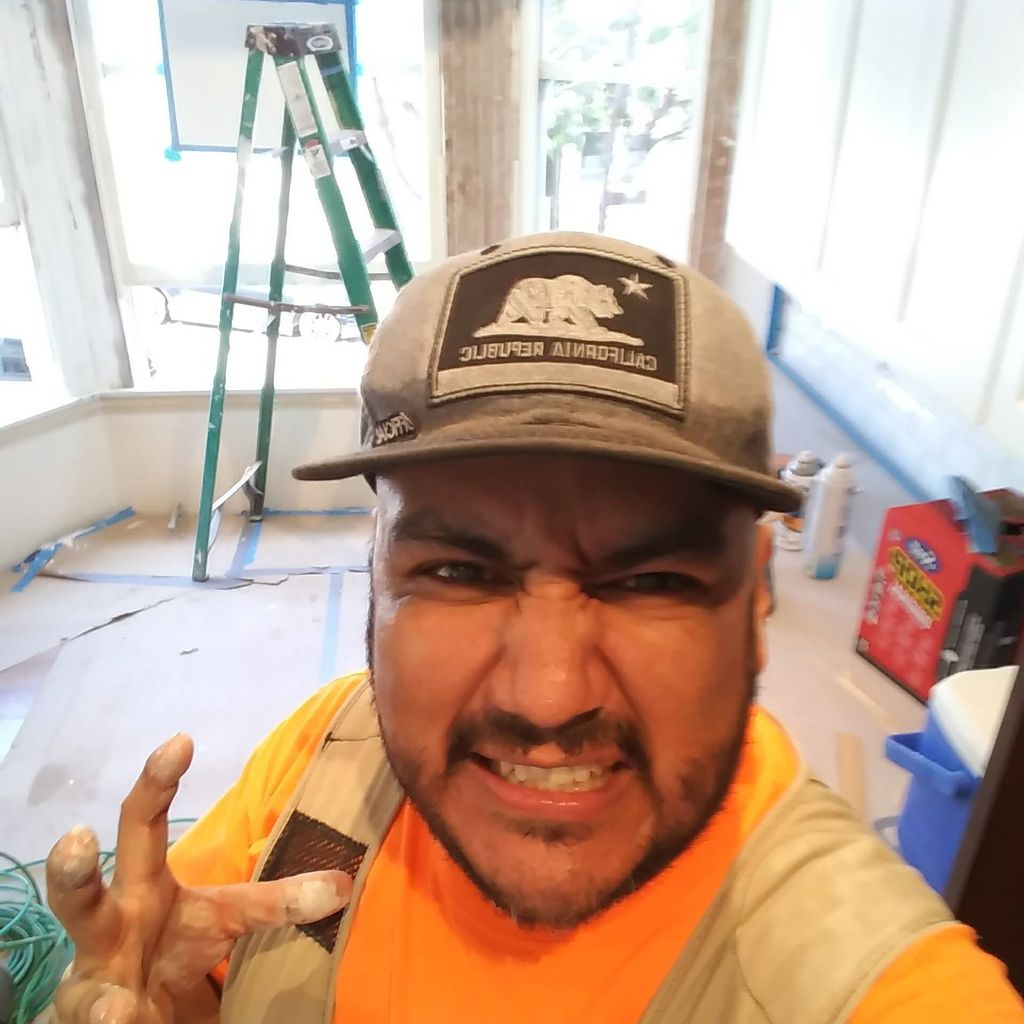 Paredes Handyman & Remodeling Services