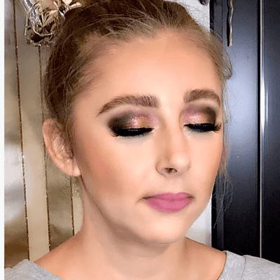 Avatar for Lipstick + Lashes by Monika