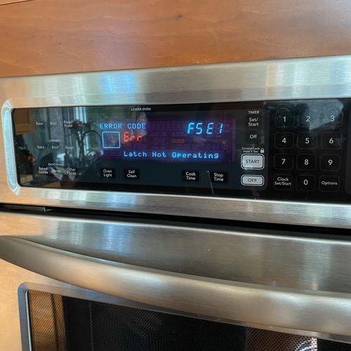 Wall Oven F5E1 error code clear