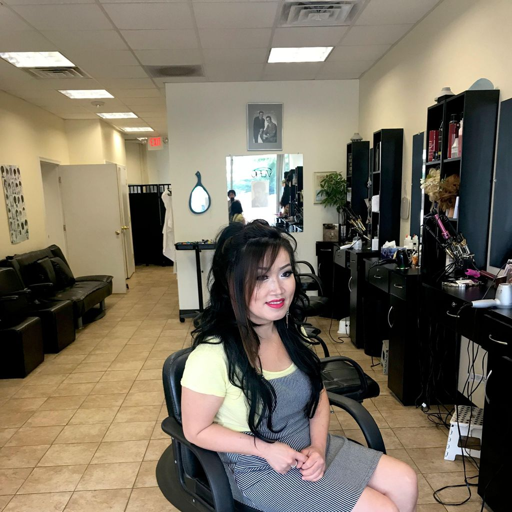 Jean Makeup, Hair color