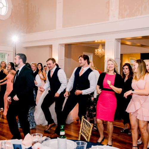 Wedding Reception - Rose Hill Manor - Photo by Heather Frable