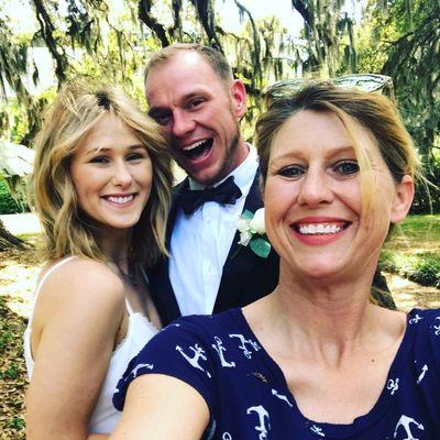 Avatar for Lynsey Thomas, Wedding Officiant