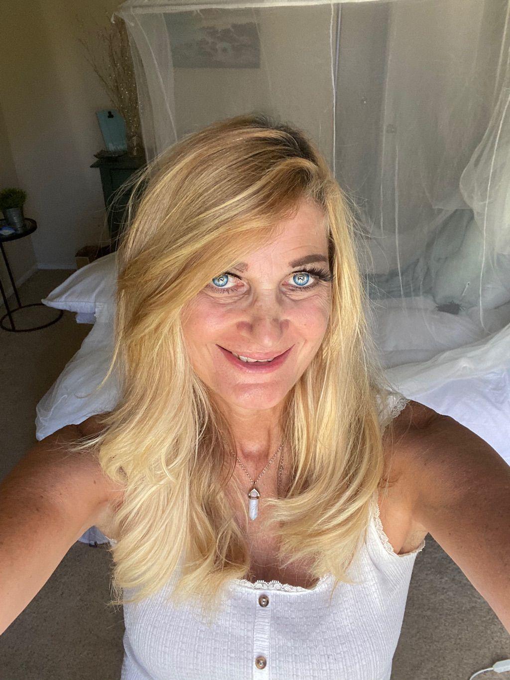 Ivy Vahs Lomi Lomi/Sports Massage