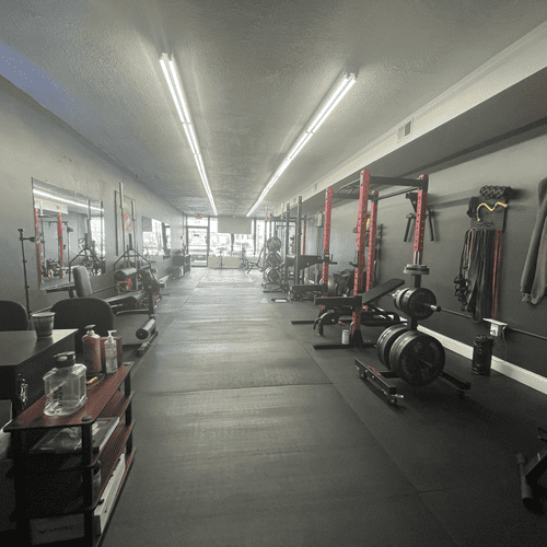 Clean aisle great for lunges