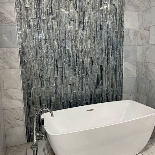 Full bath area tile.