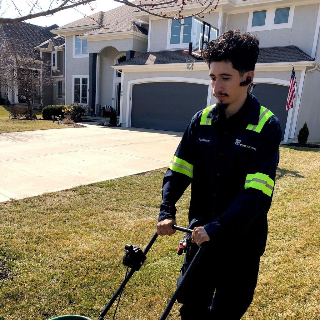 Maquedas Lawn Maintenance