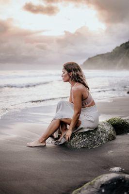 Avatar for Spiritual Guidance with Laura Lynn