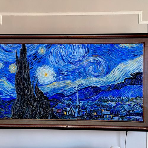Wow I like starry night on the new TVs