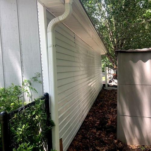 After picture of siding after algae was removed