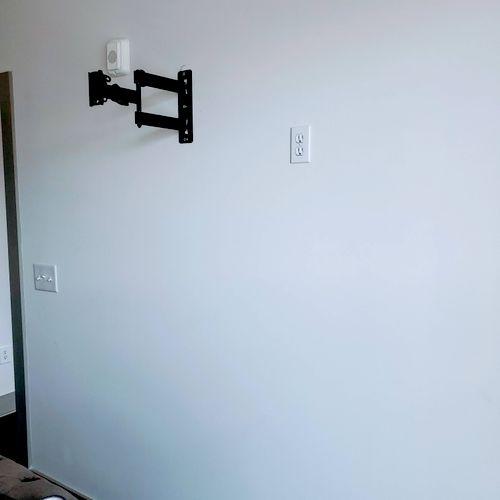 Full Motion Mount installation + New outlet for TV 🔌✅
