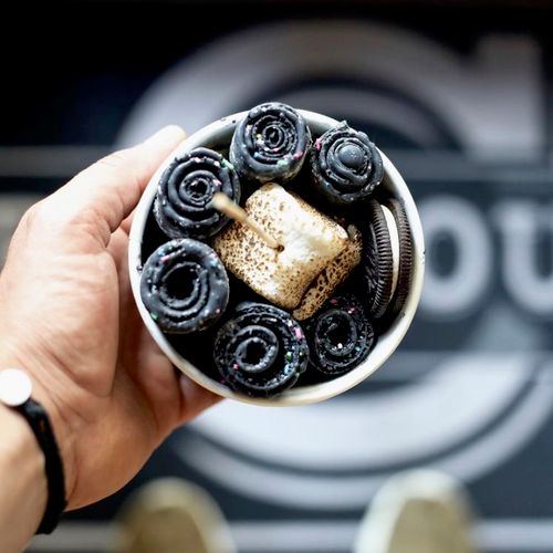 Vanilla and activated charcoal