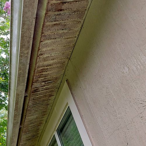gutter and soffits before
