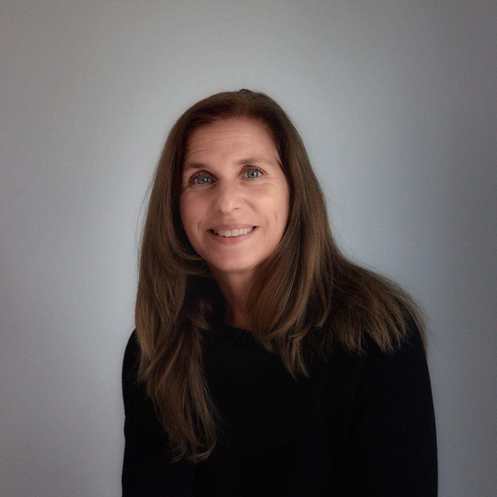 Julie Sierra, LMT