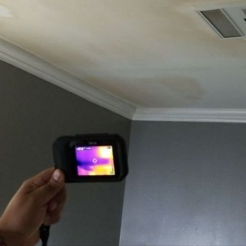 equipment detecting moisture on the wall