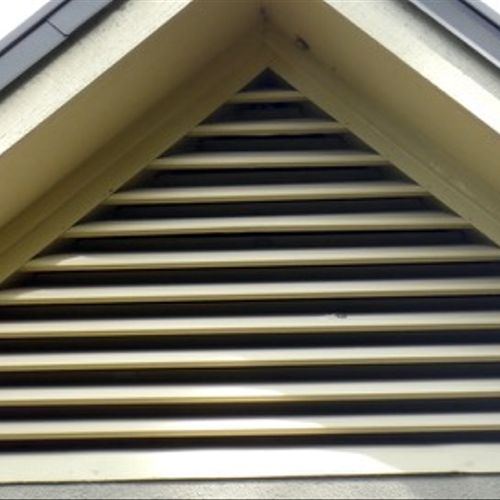 Open Gable Vent allowing rodent and bird access to attic space......