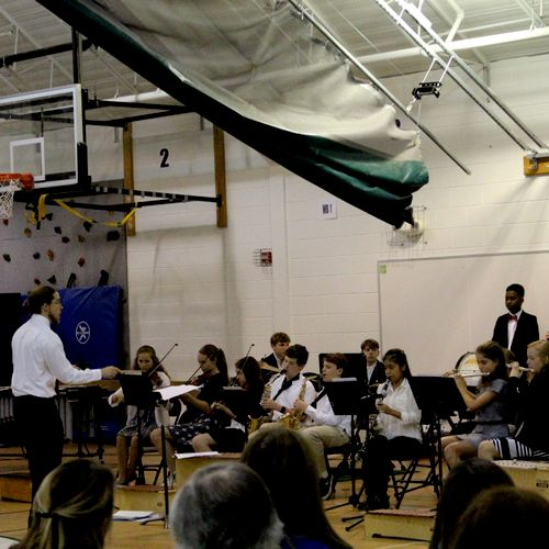 Conducting the middle school symphonic band at Alexandria Country Day School!