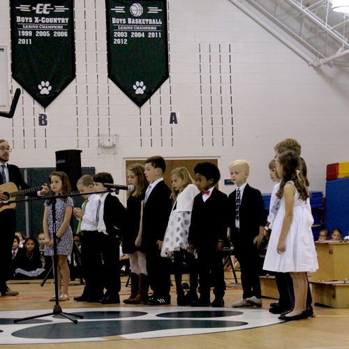 Leading/Accompanying the lower school choir at Alexandria Country Day School!