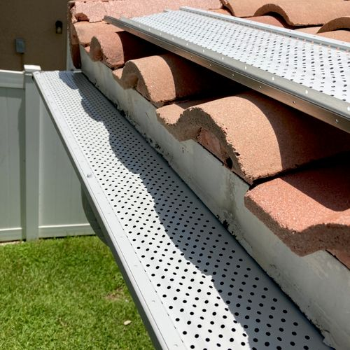 """leaf protection on 6"""" k style seamless gutter"""