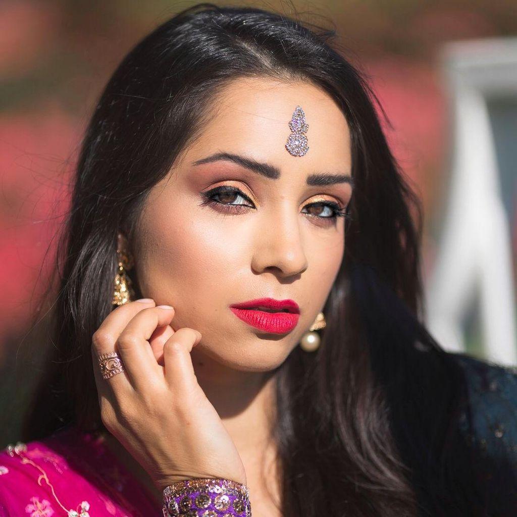 Svetlana Tulasi - Kathak & Bollywood Dance Company