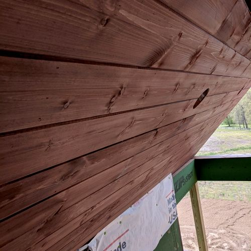 Pine Tongue and groove deck ceiling