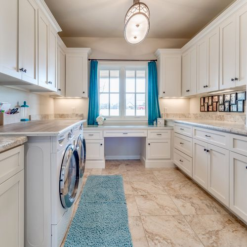 Laundry Room - declutter & staging for sale