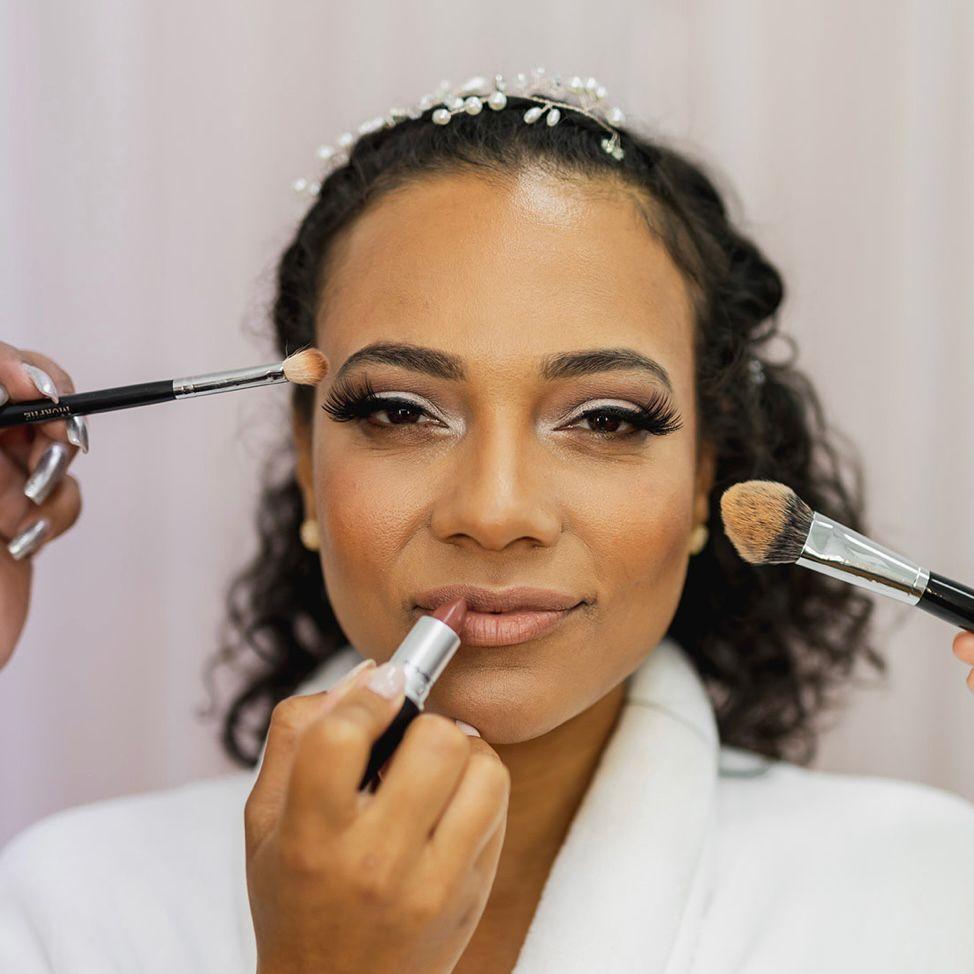 Laura London Makeup