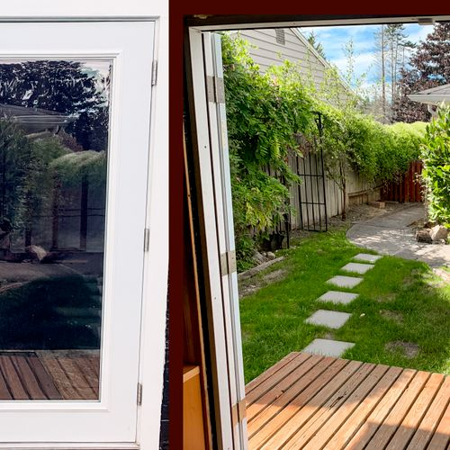 These outswing French doors showcase the natural sunlight + heat in the summer and create a larger feeling within the studio when open.