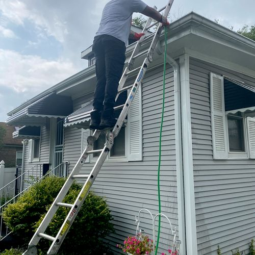 Gutter Cleaning at your service