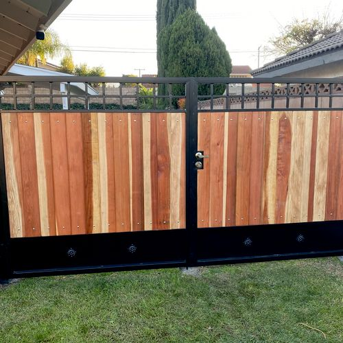 Wood and Iron Dbl Swing Gate