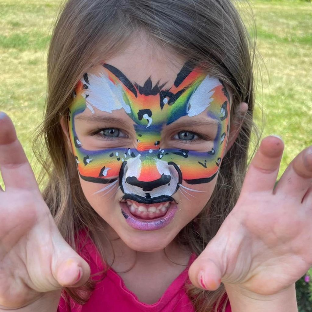 A Dab of Fun Canvas & Face Painting