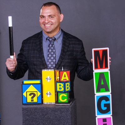 Avatar for Kids Magician Chad Collyer