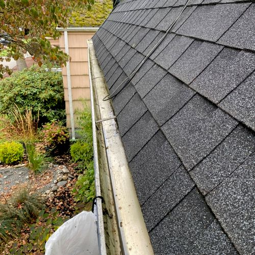 Cleaning gutters (after)